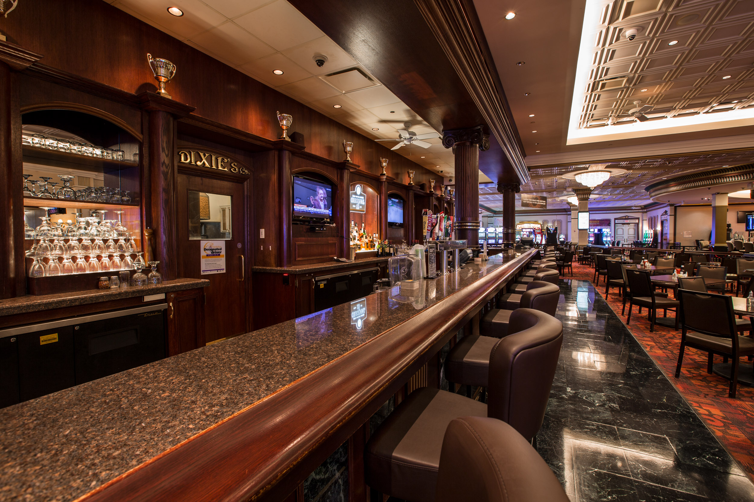 McPhillips Station Casino Dixie's Lounge bar picture